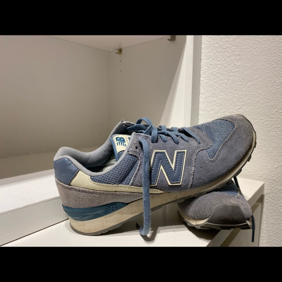 blue and gray new balance